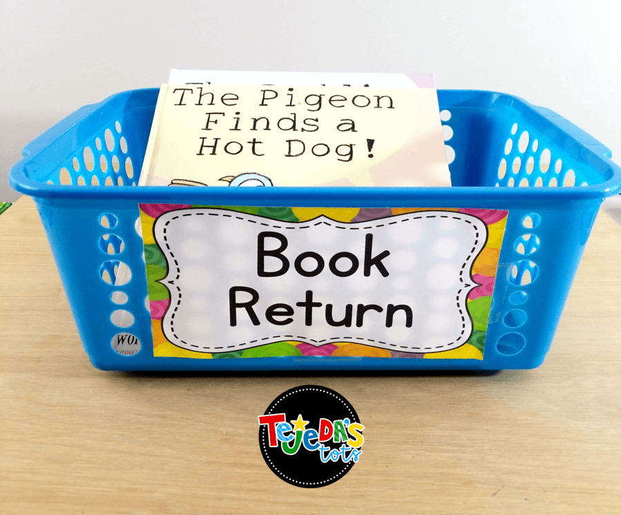 When students shop for new books in our classroom library, they drop any books they want to trade in our book return bin. This makes it easy to make sure they all go back in the correct bins! You can have 2 classroom librarians as student jobs as well. #tejedastots #classroomlibrary