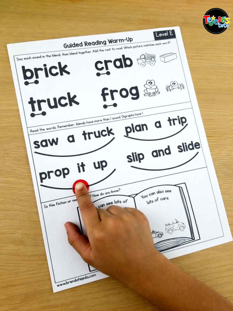 Warm up your students for your guided reading lessons with these one-page skills warm-ups. These are so helpful in streamlining guided reading instruction. Each page has a few skills to remind your students to do while they read and help get your kindergarten and first grade students' brain ready for reading! #tejedastots #guidedreading